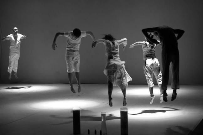 Experimentos em Branco e Preto-CiaDruw-Foto Claudio Roberto
