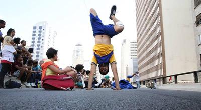 Grupo Zumb.boys_Dança por Correio_foto Sissy Eiko_p