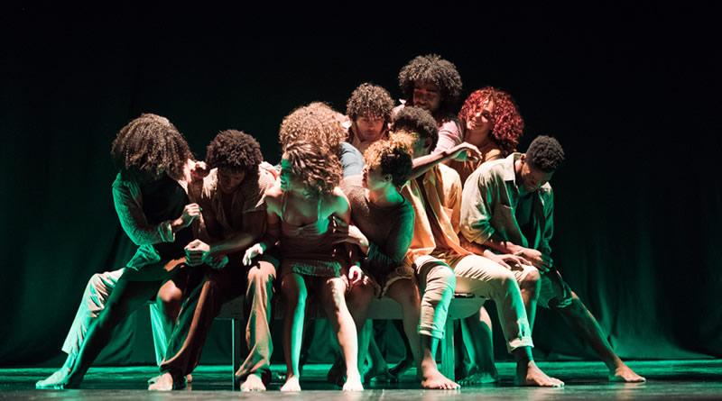 Êxtase Cia de Dança estreia 'Arreda' em Belo Horizonte