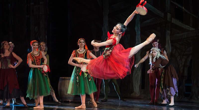 Bailarina brasileira é indicada ao Oscar da dança na Rússia