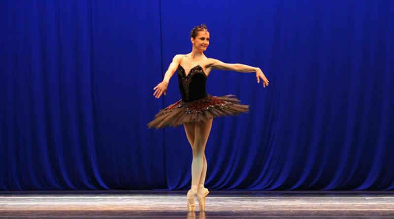 Cecília Kerche ministra Master Class de ballet clássico no BalletAdultoKR